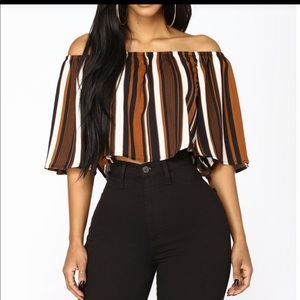 Avlux Tops - Off Shoulder Top Black/Brown
